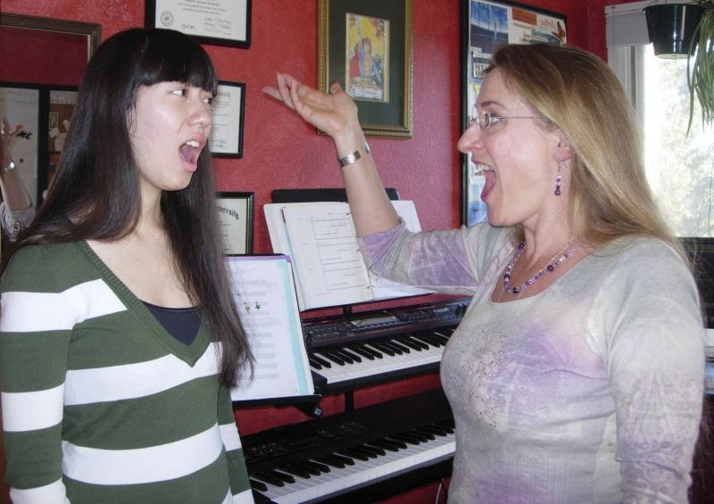 Patricia and Justine go for the high note!